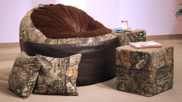 Mossy Oak Nativ Living And Tree Furniture Have Partnered To Offer Camo Futons Foam Filled Chairs Accent Pillows In Break Up Country