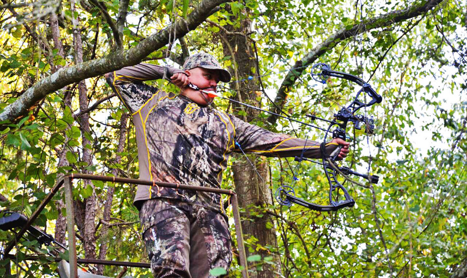 Bruce Brock bowhunting